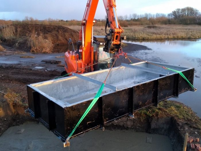 The steel tank for the Top Hill Low Hide © Top Hill Low web site blog